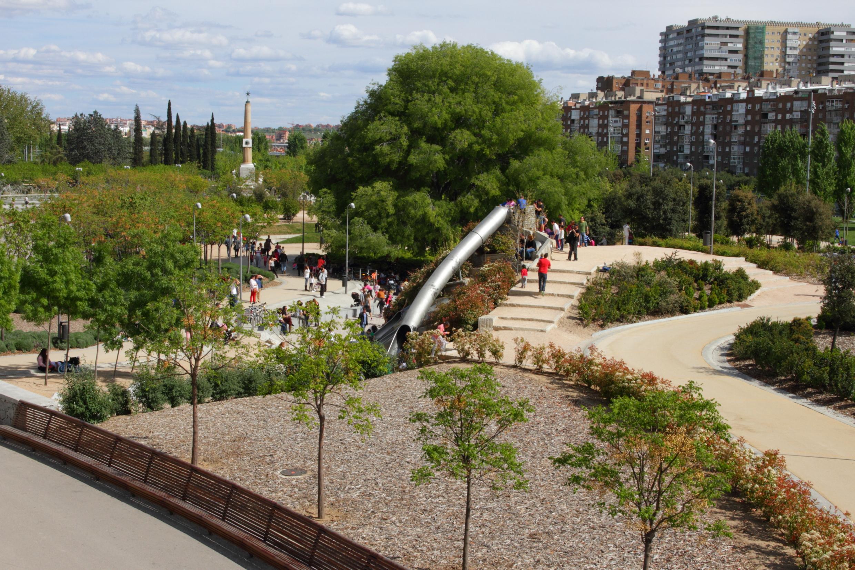 Madrid r o y el matadero el grillo amarilloel grillo amarillo - Jardines puente cultural ...
