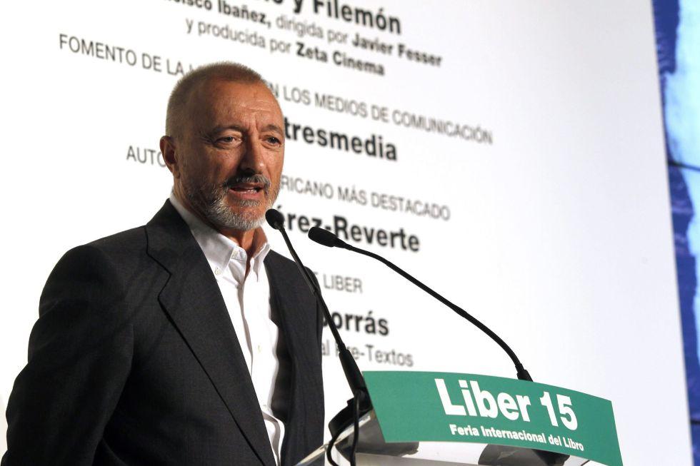 Arturo Pérez Reverte y otros Premios Liber 2015