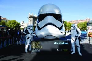 Inauguraci?n Exposici?n Face the Force en la Puerta de Alcala de Madrid
