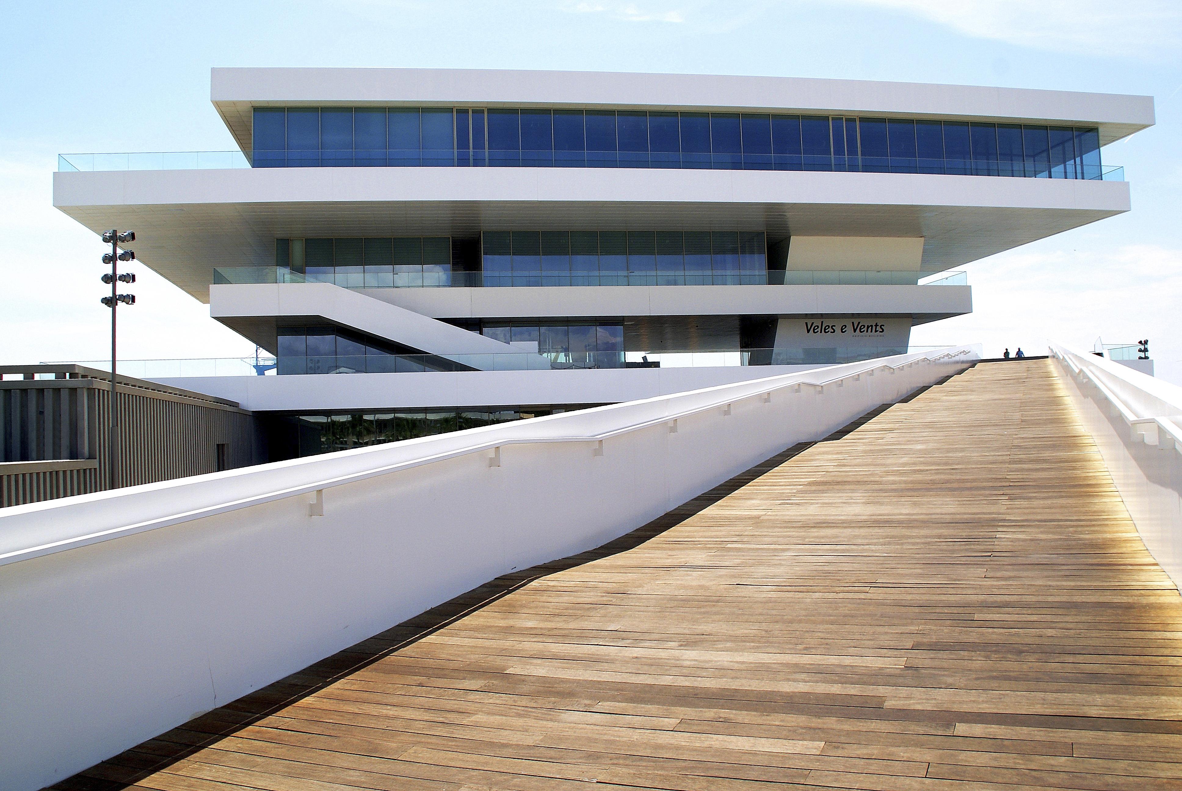 VELES E VENTS, nuevo espacio gastronómico y cultural en Valencia
