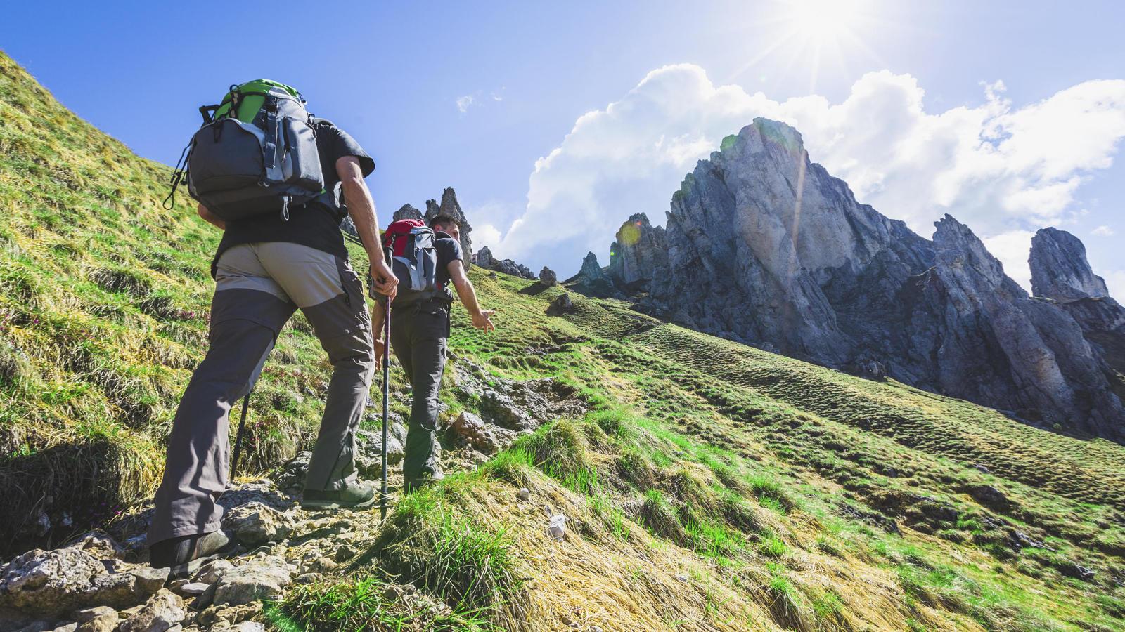 Diez claves para disfrutar del senderismo este verano