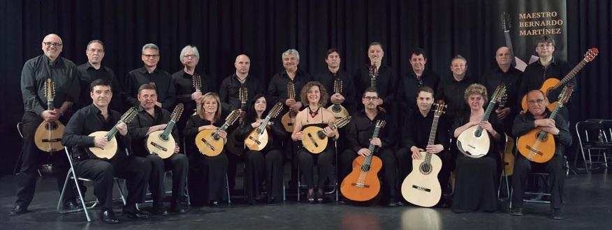 Orquesta de Pulso y Púa a ritmo de rock