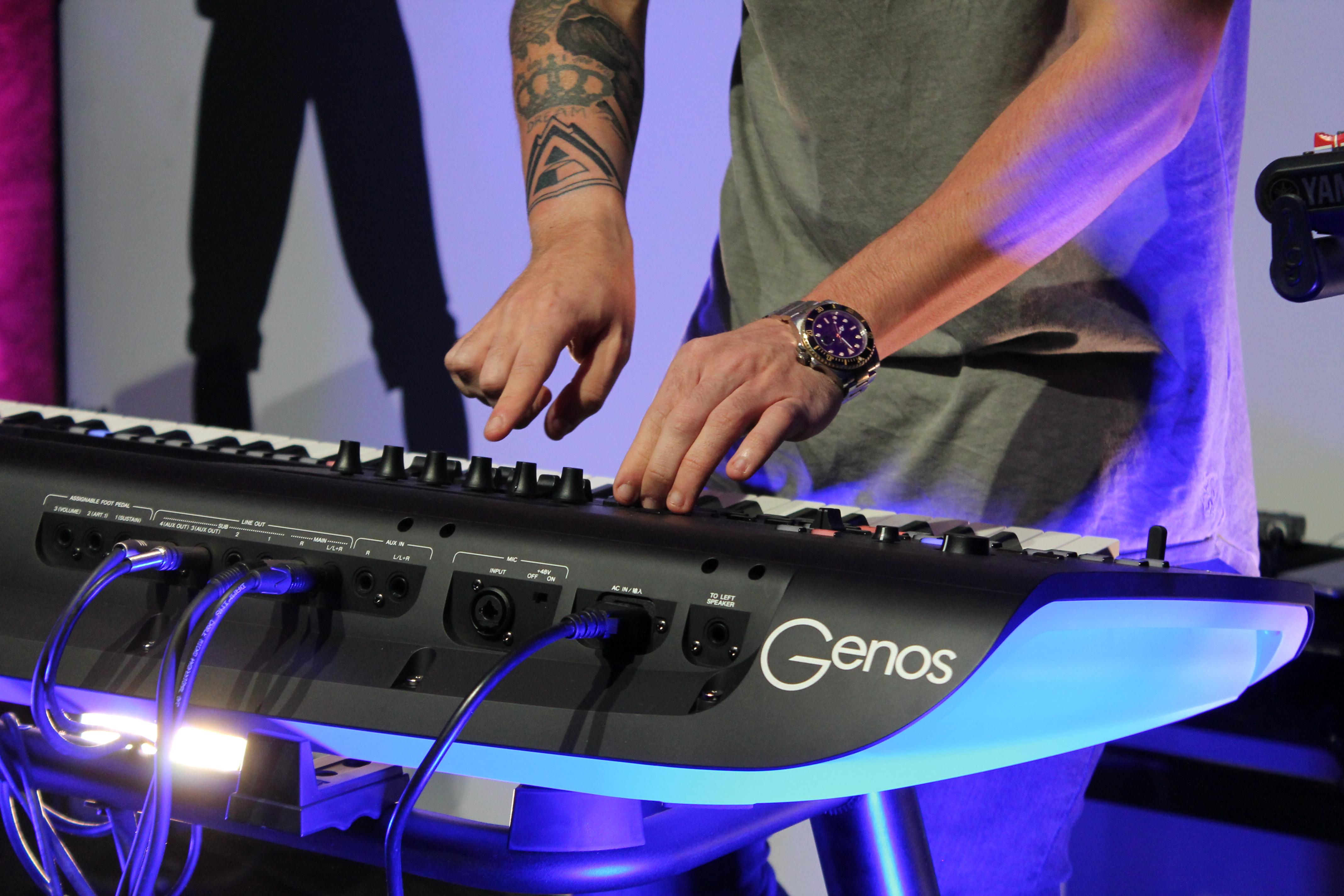 Yamaha presenta su teclado Genos con un gran espectáculo musical