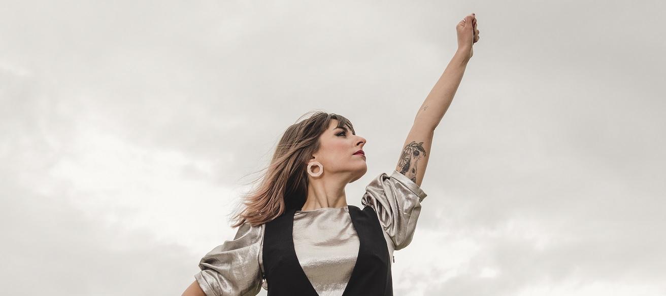 'Fusión del núcleo', el primer single de Chica Sobresalto